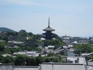 26 祇園閣楼上からの絶景。法観寺の姿も秀麗です。.JPG