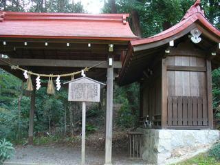 船岡妙見社 船岡玄武神社 本殿と拝殿.JPG
