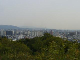 船岡山から南を見る 京都駅方向.JPG